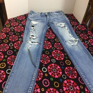 American eagle size 6 very distressed